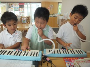 鍵盤ハーモニカ練習